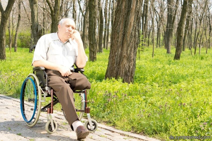 Mann mit dem amputierten Bein