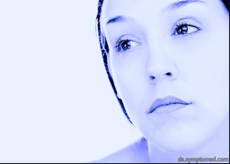 Frigide und traurige Frau