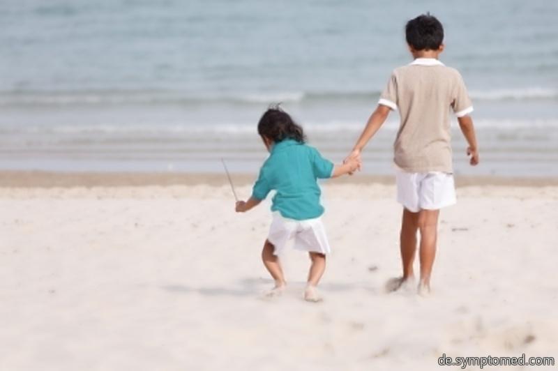 Ein mit der Kinderlähmung betroffenes Kind